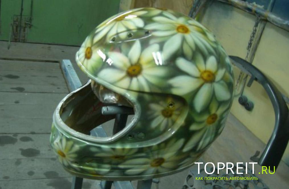 шлем в виде ромашки